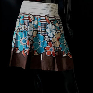 Dresses & Skirts - Floral Pleated Skirt